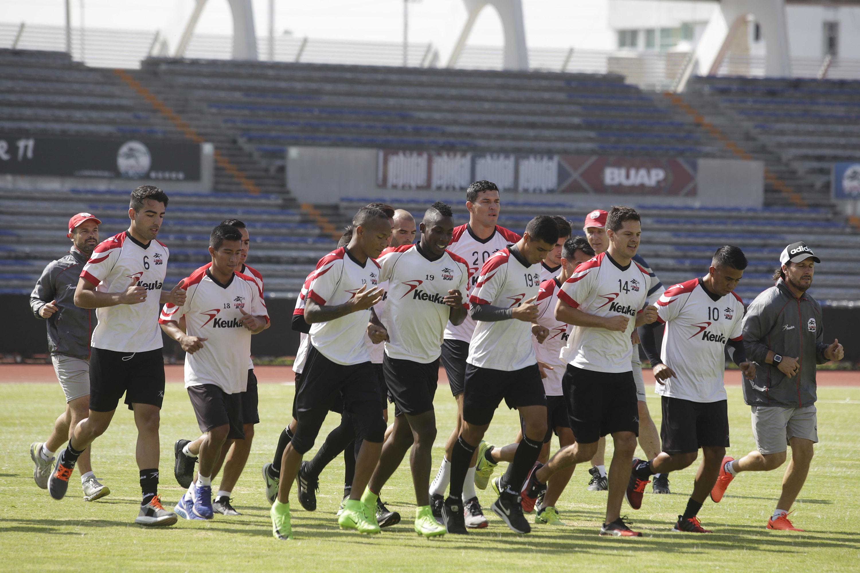 Puebla, 19 de junio de 2017.  Jugadores de Lobos BUAP reportaron a la pretemporada, en el estadio Universitario con miras al torneo Apertura 2017 de la Liga MX.   //Agencia Enfoque//
