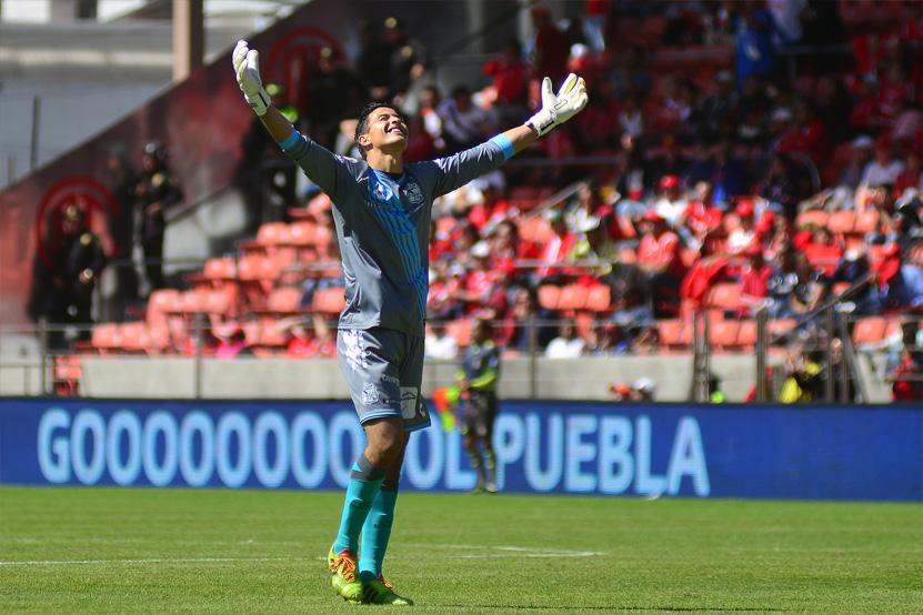 TOLUCA, MEXICO - ENERO 31: Fabian Israel Villaseñor del Puebla en festejo durante el juego de la jornada 4 del Torneo Clausura 2016 de la Liga Bancomer MX en el estadio Nemesio Diez el 31 de enero de 2016 en Toluca, Mexico. //Jam Media//Agencia Enfoque//